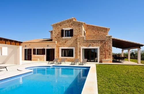 Last Minute Cottages - Villa Oscar