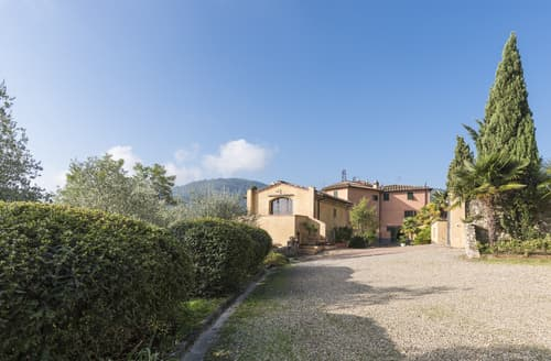 Last Minute Cottages - Casa Spino