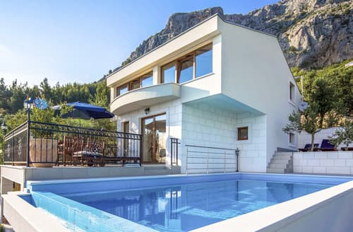 Last Minute Cottages - Villa Matea