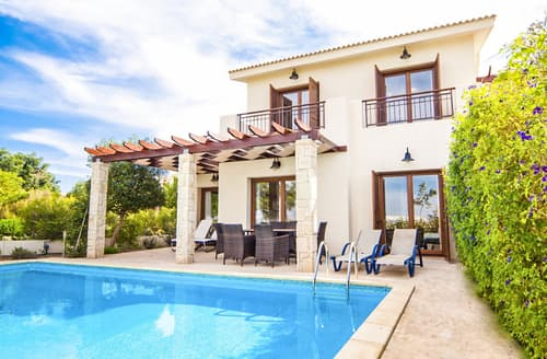 Last Minute Cottages - Villa Eliana