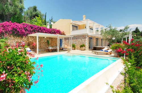 Last Minute Cottages - Villa Arion