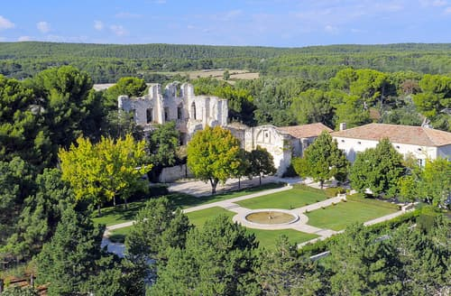 Last Minute Cottages - Attractive Aix En Provence Cedex 1 Cottage S115624