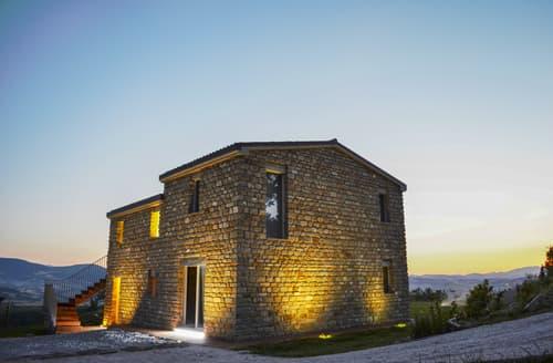 Last Minute Cottages - Villa Tranquilla