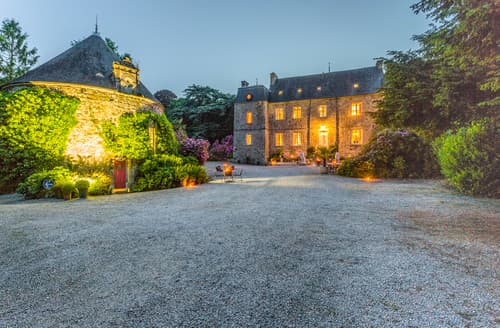 Last Minute Cottages - Chateau Normand