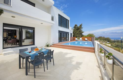 Last Minute Cottages - Villa Dimitrios
