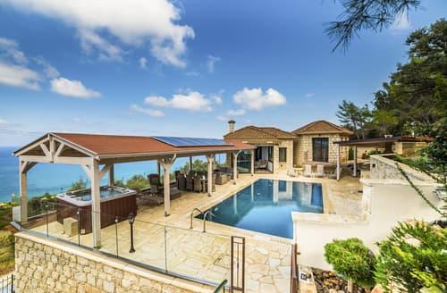 Last Minute Cottages - Pomos View Villa
