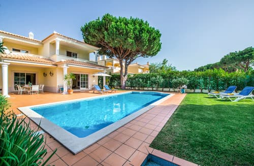 Last Minute Cottages - Villa Falesia