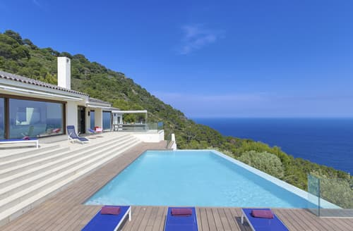 Last Minute Cottages - Villa Ander