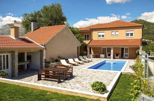 Last Minute Cottages - Villa Tefera