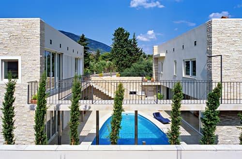 Last Minute Cottages - Villa Rampart
