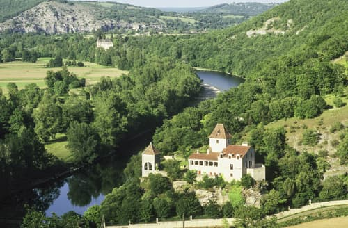 Last Minute Cottages - Chateau De Gombert