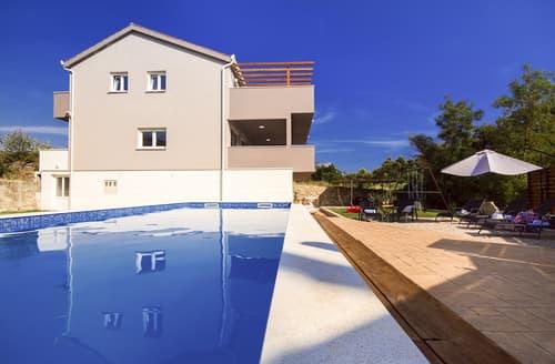 Last Minute Cottages - Villa Naklice