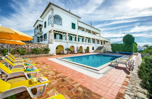 Last Minute Cottages - Villa Ferragudo