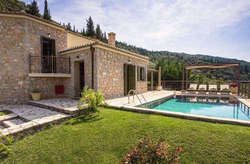 Last Minute Cottages - Villa Irida