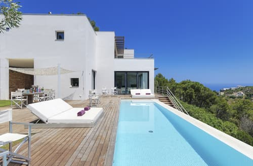 Last Minute Cottages - Villa Laia