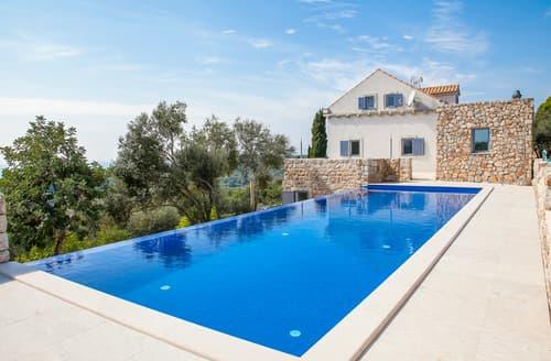 Last Minute Cottages - Villa Frajga