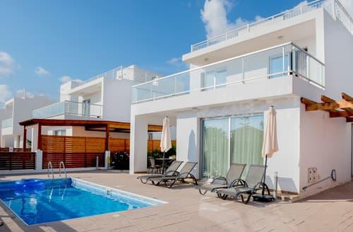 Last Minute Cottages - Coral Bay Villa 10