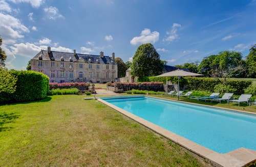 Last Minute Cottages - Chateau De Cource