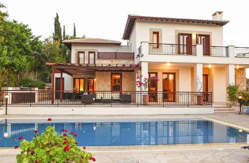 Last Minute Cottages - Villa Androulla