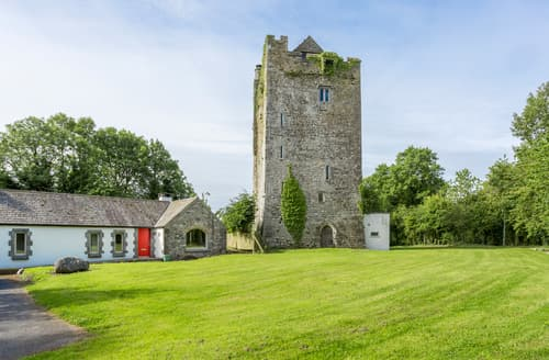 Last Minute Cottages - Towerhouse Castle & Coach House
