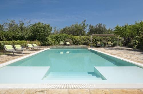 Last Minute Cottages - Villa Nancy