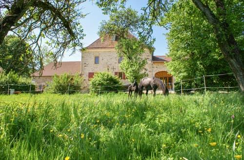 Last Minute Cottages - Chateau Beaucharm
