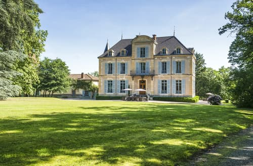 Last Minute Cottages - Chateau Les Bardants and Maison