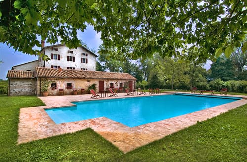 Last Minute Cottages - Villa Benne
