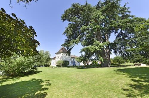 Last Minute Cottages - Manoir Des Cedres