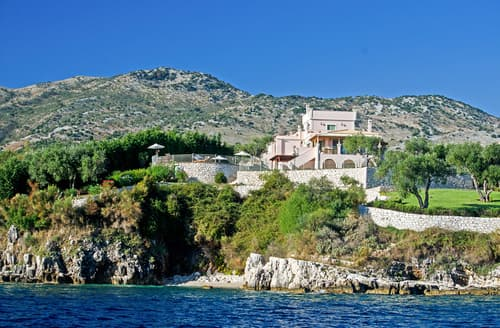 Last Minute Cottages - Villa Athina