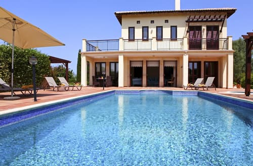 Last Minute Cottages - Villa Nyssa