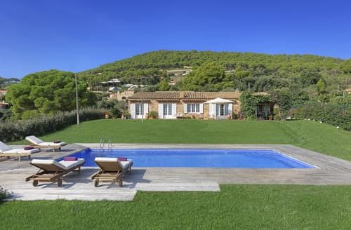 Last Minute Cottages - Villa Ferran
