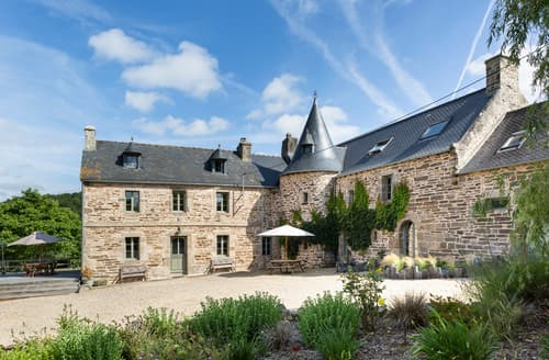 Last Minute Cottages - Manoir De Kervegat