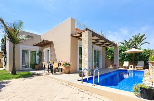 Last Minute Cottages - Azure Beach Villas