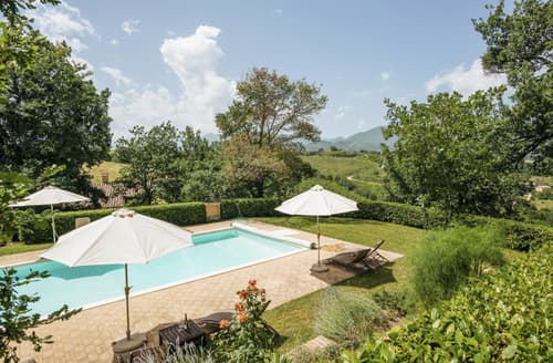 Last Minute Cottages - Stunning Camporotondo Di Fiastrone (Mc) Cottage S116590