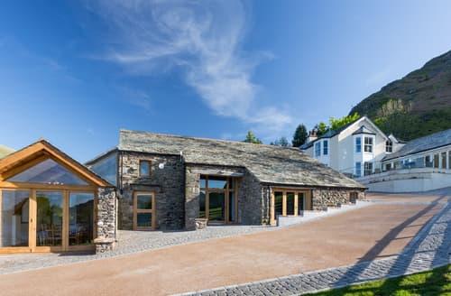 Big Cottages - Lakeside Barn