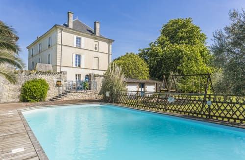 Last Minute Cottages - Chateau Cypres