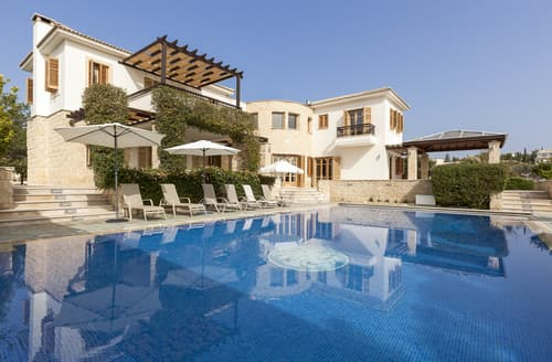 Last Minute Cottages - Villa Evangelia