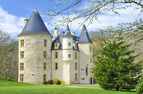 Last Minute Cottages - Chateau De Montpezat