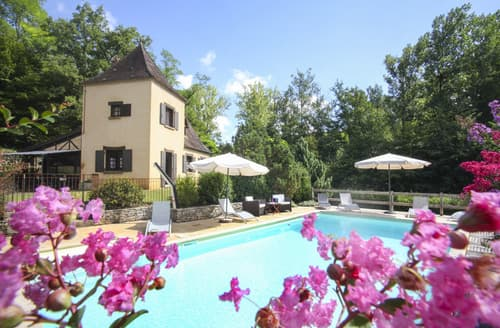Last Minute Cottages - Les Cypres