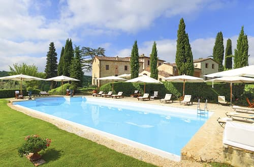 Last Minute Cottages - Villa Carli