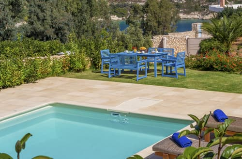 Last Minute Cottages - Villa Phaedra