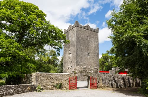 Last Minute Cottages - County Meath Castle