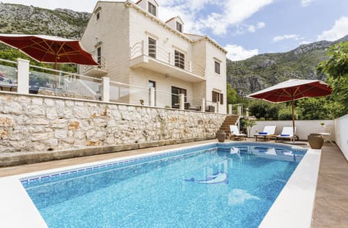 Last Minute Cottages - Villa Ruzza