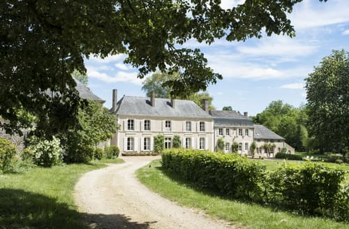 Last Minute Cottages - Manoir Les Deux Fonds