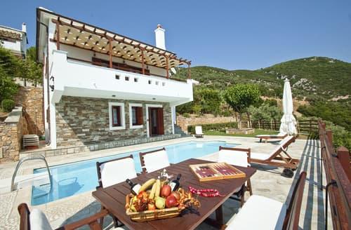 Last Minute Cottages - Ormos Villa