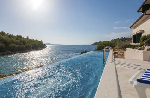 Last Minute Cottages - Villa Katarina