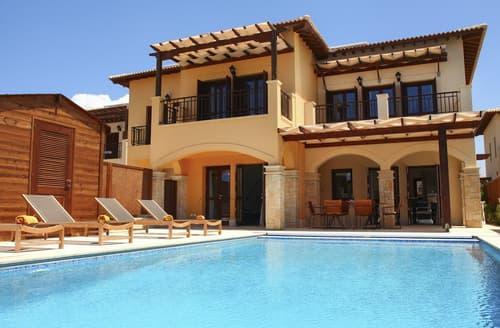 Last Minute Cottages - Villa Elodie