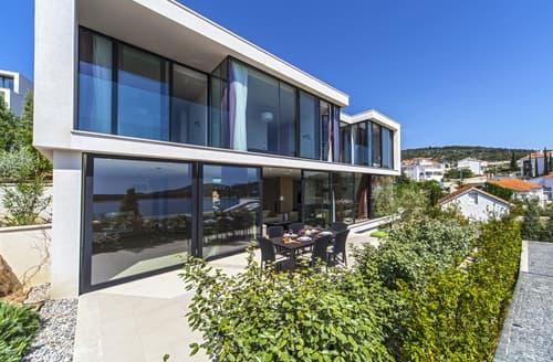 Last Minute Cottages - Villa Capocesto II