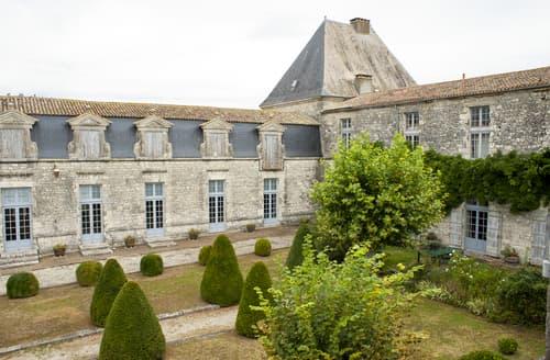 Last Minute Cottages - Le Pavillon D'Or